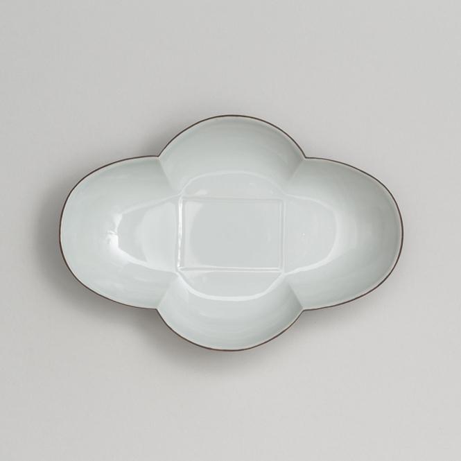 白磁口紅木瓜皿(細)